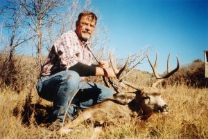 mule deer hunting - Tomahawk Outfitters